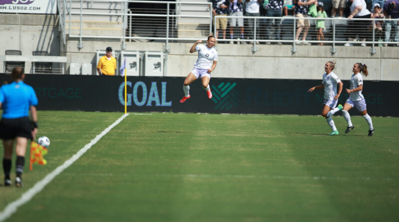 Ebony Salmon First Goal for Racing Louisville
